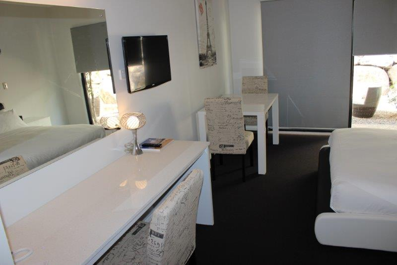 New refurbished Studio Executive! 